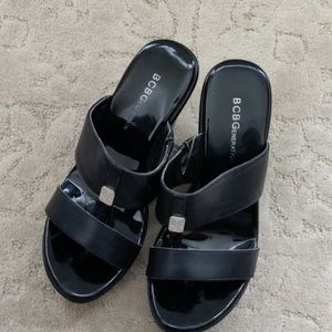 BCBGeneration platform sandals in black size 5.5